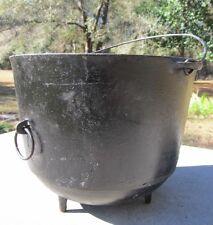 Antique #8 Kettle WAGNER Cast Iron Primitive 3-Leg Bean Pot w/ Tip Ring Cauldron