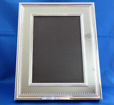 Vera Wang Wedgwood Grosgrain Silver Picture Frame 8X10 Fits Photo 5x7 MSRP $113