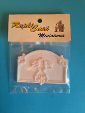 WP103 Small Grand Wall Panel Plain Plaster RepliCast Miniatures - Dolls House
