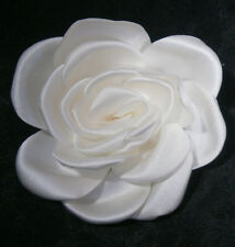 KLEINFELD WEDDING FLOWER NATURAL WHITE SATIN PIN DECORATION GOWN HAIR ACCESSORY