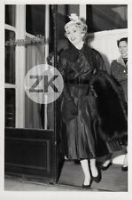 ZSA ZSA GABOR Mode ELSA SCHIAPARELLI Paris PLACE VENDOME Fashion Photo 1954