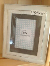 Shabby Chic White Wooden Distressed Frame With Ocre Insert to fit 6 x 4 photo