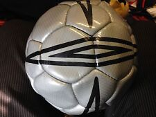UMBRO  WASP BALL SIZEr 4   AT £4  1YEAR GURANTEE SHAPE /STITCHING GOLDBNWL