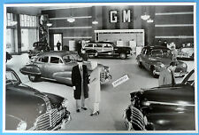 """12 By 18"""" Black & White Picture 1946 Line Up Of GM Cars In Showroom"""