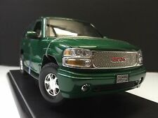 2001 GMC Yukon Denali  WELLY 1/18 Scale Die-Cast Car 1:18 Rare LAST ONE !!!!!!
