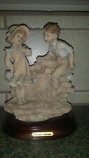 Giuseppe Armani Porcelain Figurine Tender Gifts Little Town Collection