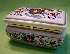Japanese porcelain MUSIC BOX with colorful WILD ROSES. Beautiful sound