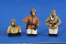 VERLINDEN PRODUCTIONS #2576 WWII German AFV Crew Wet & Cold 1/2 Figuren in 1:35