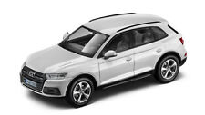 Original Audi Q5 FY Modellauto 1:43 Ibisweiss Modell Audi Q5 Typ FY weiss