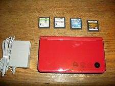 Bundle Nintendo DSi XL Super Mario Bros 25th Anniversary Edition~Charger 4 Games