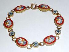 Un Vintage 1950s oro tono mosaico Pulsera con un diseño de flores rojas Envolvente