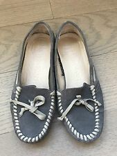 New Vera Wang Size 5.5 Ladies Suede Loafers