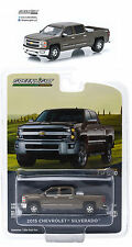 1:64 GreenLight *BROWNSTONE METALLIC* 2015 Chevy Silverado Pickup w/TOW HITCH