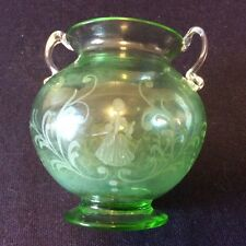 Tasse gravée à double anses XVIII décor de marquise et son galant