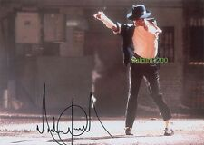 MICHAEL JACKSON SIGNED 10X8 PHOTO, GREAT VIDEO IMAGE, LOOKS GREAT FRAMED
