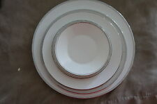 W Wedgwood Solane Square Dinnerware Plate 5 Piece Set White Dinner Plates