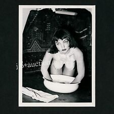 PRETTY NUDE WOMAN WASHING HERSELF NACKTE FRAU WÄSCHT SICH * 60s Risque Photo #5