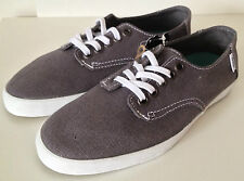 VANS. Genuine Women's, Kids or Men's Classic Canvas Casual Shoe. US Women 5. NWT