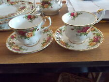 Vintage ROYAL ALBERT Old Country Roses - 2 Cups and Saucers