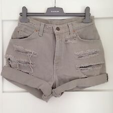 LADIES LEVI STRAUSS BEIGE TURN UP FRAYED  DENIM  SHORTS SIZE 28 INCH WAIST