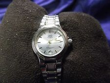 Woman's Q&Q Date Watch  with Silver Bracelet Band **Nice** B60-1099
