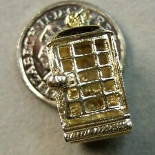 9ct gold Second hand telephone box charm