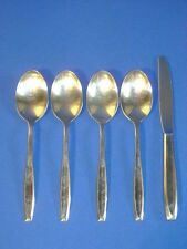 INTERNATIONAL SILVER NEW DAWN STAINLESS 4 PLACE SPOONS 1 KNIFE