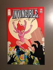 Rare One Of A Kind Autographed INVINCIBLE 14 HG NM ROBERT KIRKMAN & FRANK CHO!!