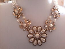 Marca nuevo grueso doble fila de oro collar de perlas con una gran flor y cristales