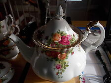 Vintage ROYAL ALBERT Old Country Roses - Large 6 Cup Tea Pot Teapot