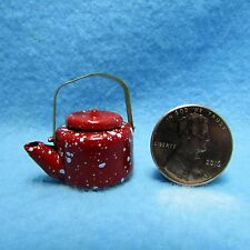 Dollhouse Miniature Tea Pot / Kettle with Lid in Red Splatterware ~ IM65085