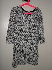 GIRLS VERY PRETTY NAVY & CREAM GAP KNITTED DRESS 8 YEARS VGC