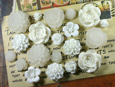 20pcs - Resin Flower Cabochons - White