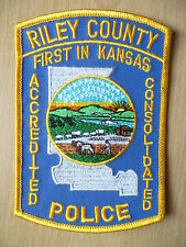 Patches: RILEY COUNTY FIRST IN KANSAS ACCREDITED CONSOLIDATED POLICE PATCH(NEW)
