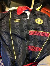 MANCHESTER UNITED TRACK TOP 1996/8 UMBRO BNWL 36/38 INCH AT £25   POLY JACKET