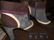 woman shoes boots suede with geometric design
