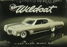 AMT ERTL 1:25 1970 Buick Wildcat Plastic Model Kit #21778P