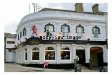 pu0162 - The Red Lion Hotel , Luton , Bedfordshire - photograph