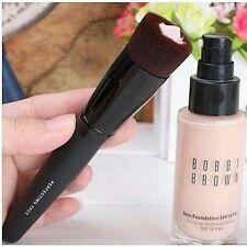 bare Minerals Perfecting Face Brush liquid cream serum foundation Flat Top RRP28