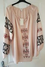 Monsoon top size 22 BNWT