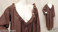 MAINE ANTIQUE 1860'S - 1870'S CALICO COTTON WRAPPER GOWN MAROON & WHITE PRINT M