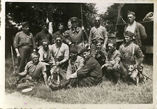 PHOTO ANCIENNE - VINTAGE SNAPSHOT - MILITAIRE WW2 GROUPE CHIEN DURANCE -MILITARY