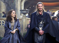 PHOTO THOR - CHRIS HEMSWORTH & NATALIE PORTMAN FORMAT 20X27 CM