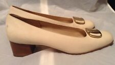 WOMENS VINTAGE SALVATORE FERRAGAMO IVORY GOLD BUCKLE SHOES 7.5 AAA