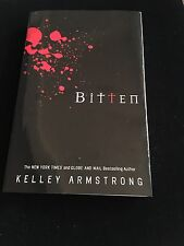 Bitten By Kelley Armstrong Paperback 2001 Werewolfs Horror Block Exclusive Cover