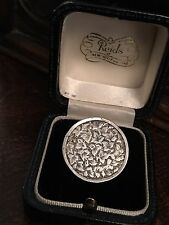 ANTIQUE VICTORIAN ENGRAVED IVY LEAF DESIGN STERLING SILVER  BROOCH /PIN