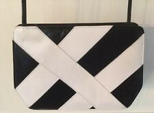 Boutique Two M Original Pavilion Inter-Continental Black & White Purse.     *845