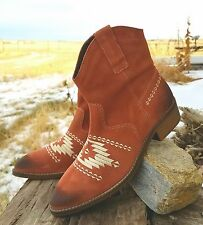 Cowgirl Aztec embroidered Booties WESTERN BOOTS AZTEC Western Gypsy 7 B NIB