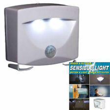 SENSIBLE MOTION SENSOR LIGHT OUTDOOR INDOOR SECURITY CORDLESS NIGHT LAMP