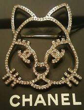 AUTH BNIB 2016 CHANEL CRYSTAL CAT EMOJI CC BROOCH PIN CHOUPETTE